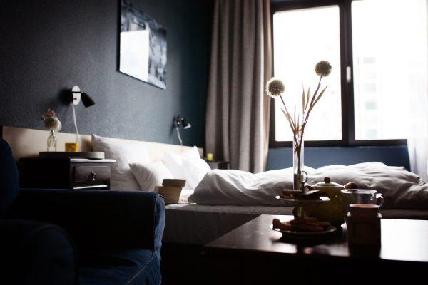 gestion informatique hôtellerie dans chambre hôtel