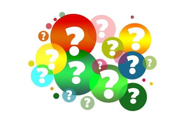 points d'interrogation dans des cercles de couleur